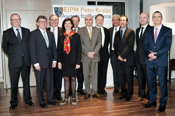 Past EIPM-Peter Kraljic Award winners during a meeting